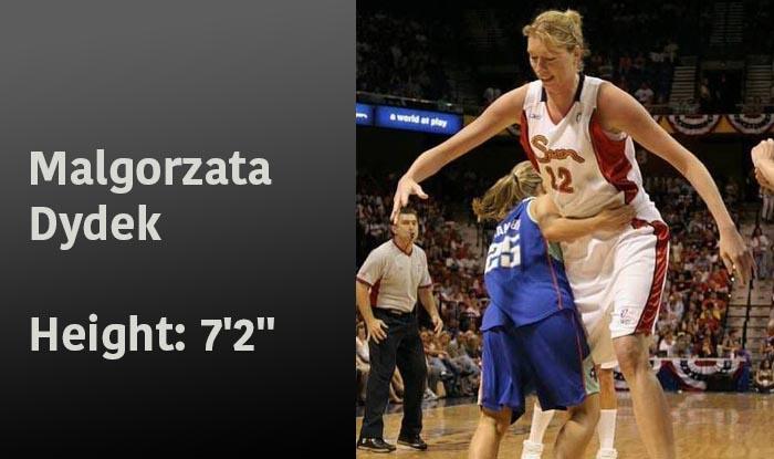 Malgorzata Dydek - Height: 7'2''
