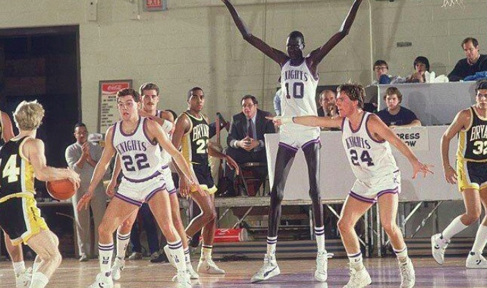 Top 10 Tallest Basketball Players of All Time